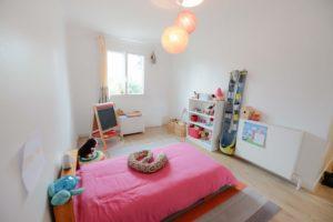 chambre enfant rangement simple décoration